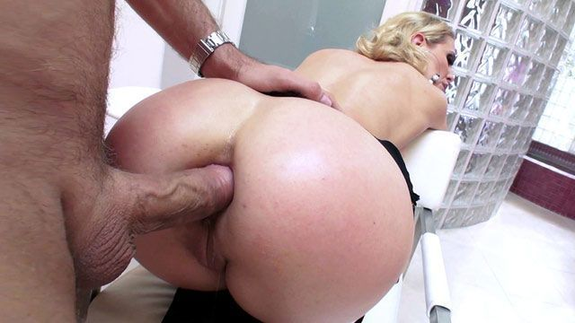 Cum on ass cavala de jeans real cum - 1 part 7