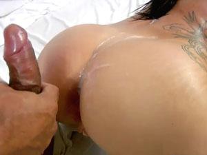 Gostosa Sara Nakamo dando gostoso no pornô