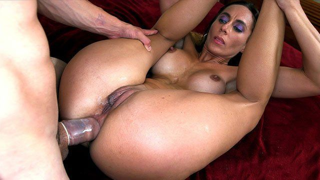 wwe woman anus hole in bed