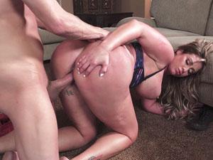 Rabuda safada Eva Notty gemendo em filme pornô