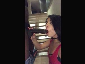 Gina Valentina encontrando negão da piroca grande