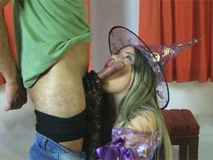 Halloween com a novinha Yasmin Mineira
